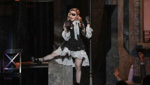 Спявачка Мадонна падчас выступу, архіўнае фота - Sputnik Беларусь