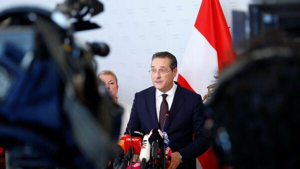 Вице-канцлер Австрии Хайнц-Кристиан Штрахе уходит в отставку - Sputnik Беларусь