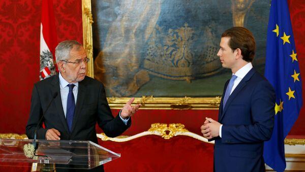 Канцлер Австрии Себастьян Курц и президент Австрии Александр Ван дер Беллен на пресс-конференции в Вене - Sputnik Беларусь