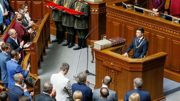 Зяленскі прынёс прысягу і абвясціў аб датэрміновым роспуску Рады - Sputnik Беларусь