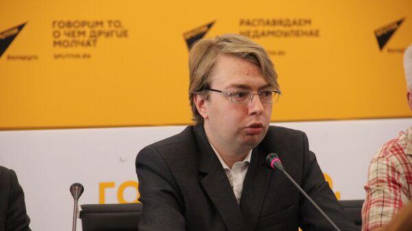 Политолог Александр Носович на круглом столе в пресс-центре Sputnik  - Sputnik Беларусь