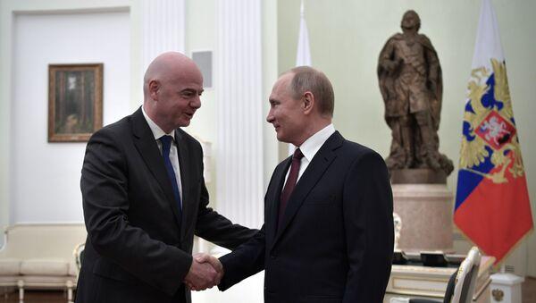 Президент РФ Владимир Путин и президент ФИФА Джанни Инфантино - Sputnik Беларусь