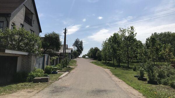 Улица генерала Антонова. Справа место будущей застройки - Sputnik Беларусь