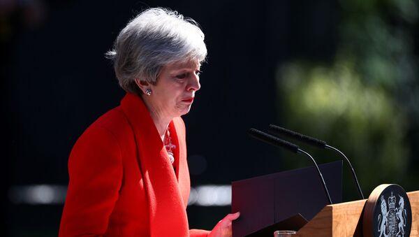 Премьер Британии Тереза Мэй объявила об отставке и на сдержала слез - Sputnik Беларусь