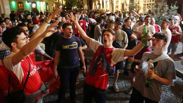 Болельщики Арсенала в Баку перед финалам Лиги Европы - Sputnik Беларусь