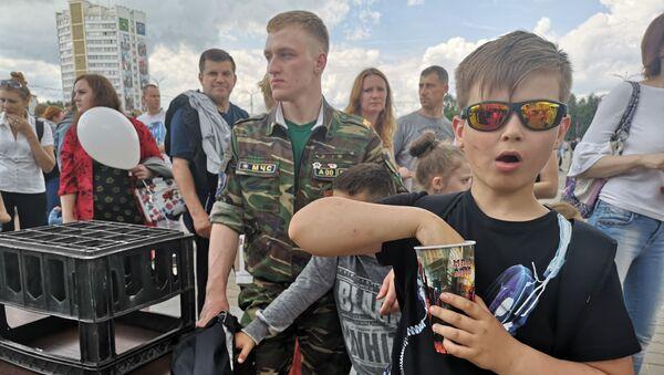 Мальчик на празднике ко Дню защиты детей в Витебске - Sputnik Беларусь