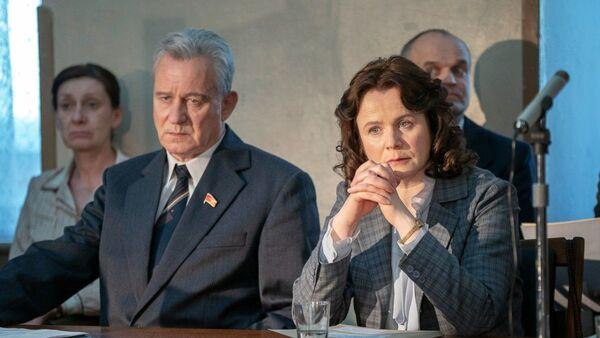 На актерах сериала Чернобыль аксесуары и одежда из Беларуси - Sputnik Беларусь