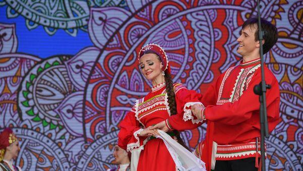 На канцэрт у гонар Дня Расіі радаваць мінчан і гасцей сталіцы прыехалі шматлікія артысты - Sputnik Беларусь