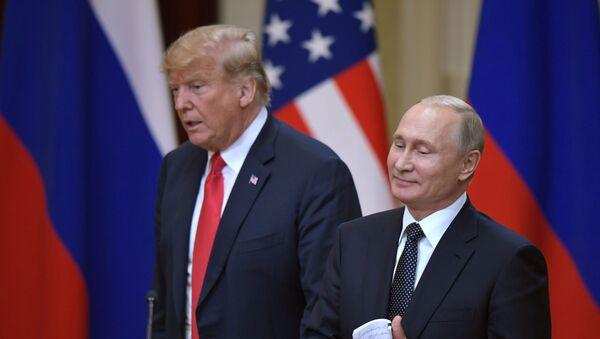 Президент России Владимир Путин и президент США Дональд Трамп - Sputnik Беларусь