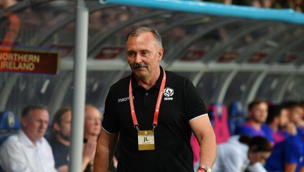 Бывший главный тренер сборной Беларуси по футболу Игорь Криушенко - Sputnik Беларусь