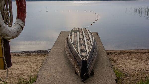 Ни браконьеры, ни ежегодный отлов угря не несут той угрозы сохранению вида, какую несет нерешенная проблема с зарыблением белорусских озер - Sputnik Беларусь