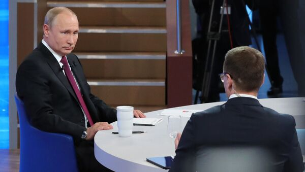Прямая линия с президентом РФ Владимиром Путиным - Sputnik Беларусь