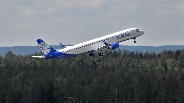 Самолет авиакомпании Белавиа, архивное фото  - Sputnik Беларусь