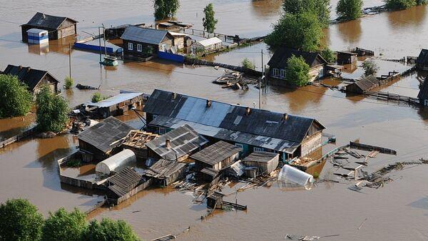 Паводок под Иркутском: спасатели задействовали вертолеты для эвакуации - Sputnik Беларусь