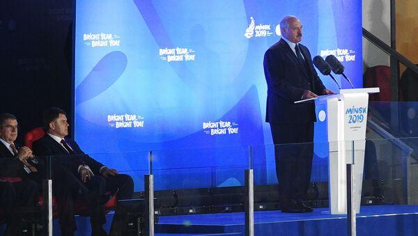 Президент Беларуси Александр Лукашенко выступает на церемонии закрытия II Европейских игр в Минске - Sputnik Беларусь