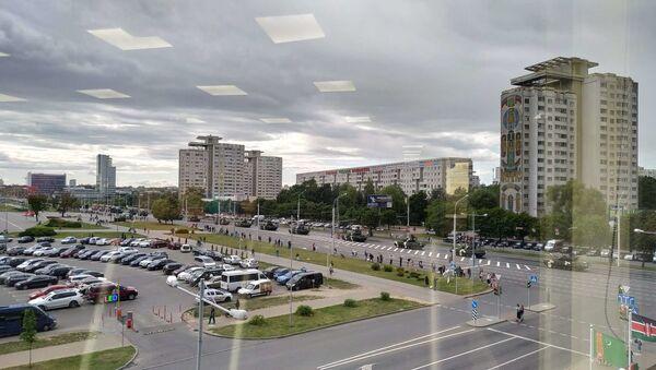 Военная техника на проспекте Независимости - Sputnik Беларусь