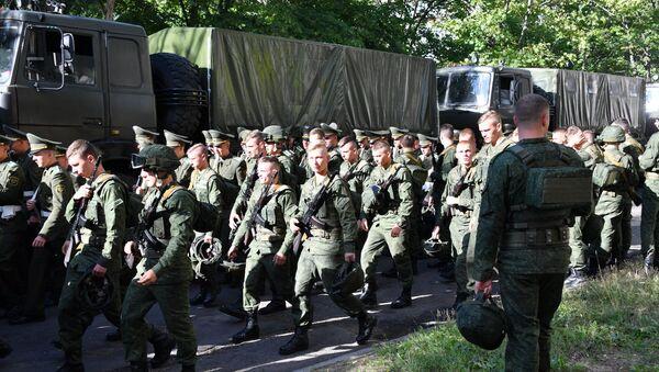 Идут последние приготовления к параду - Sputnik Беларусь