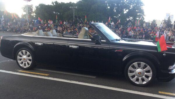 Лимузин прибыл на парад - Sputnik Беларусь