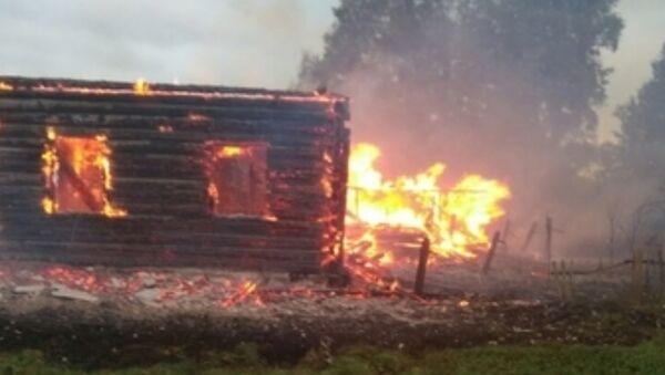 Пожар в деревне в Глубокском районе - Sputnik Беларусь