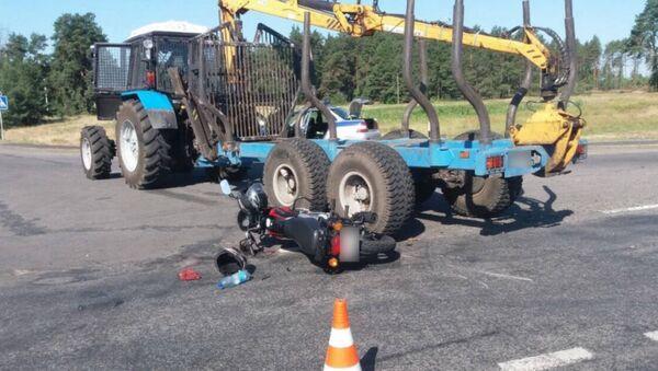 ДТП с участием трактора и мотоцикла в Брагинском районе - Sputnik Беларусь