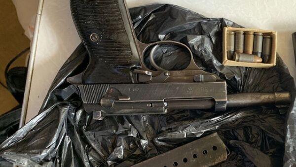 Пистолет, найденный у адвоката - Sputnik Беларусь