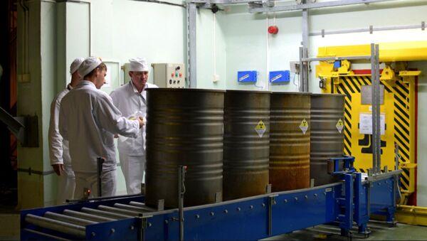 Завод по переработке жидких радиоактивных отходов заработал в Чернобыле - Sputnik Беларусь