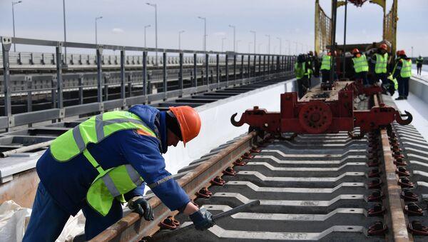 Строительство железнодорожной части Крымского моста - Sputnik Беларусь