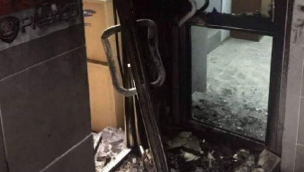 Мужчина поджег двери офиса в Минске - Sputnik Беларусь