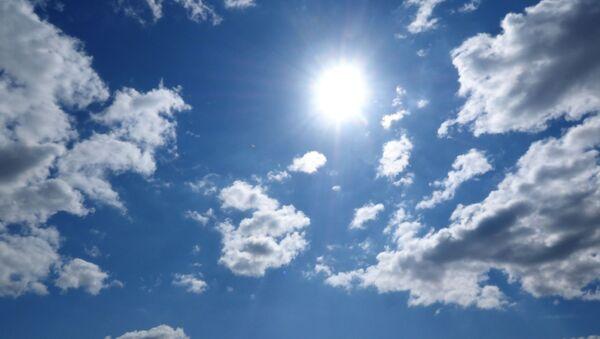 Сонечнае неба, архіўнае фота - Sputnik Беларусь
