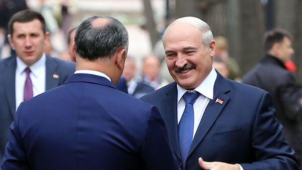 Президент Молдовы Игорь Додон и президент Беларуси Александр Лукашенко - Sputnik Беларусь