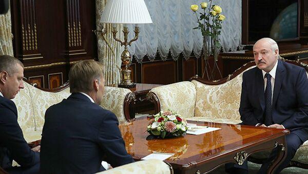 Лукашэнка назваў беспрэцэдэнтным супрацоўніцтва з Еўрапейскім інвестбанкам - Sputnik Беларусь