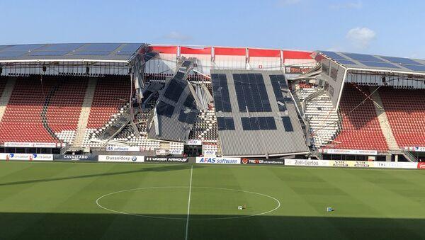 На стадионе АЗ обвалилась крыша - Sputnik Беларусь