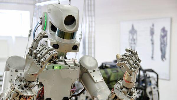 Испытание антропоморфного робота Федор - Sputnik Беларусь