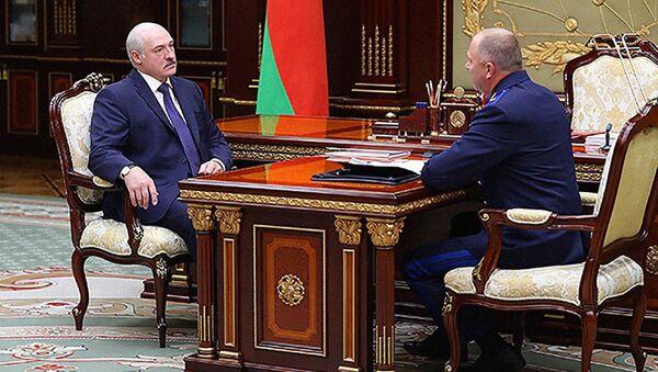 Президент Беларуси Александр Лукашенко 13 августа принял с докладом председателя Следственного комитета Ивана Носкевича - Sputnik Беларусь