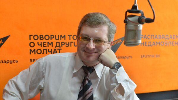 Эксперт об отмене грин-карт и заявлении Трампа о возможном выходе из ВТО - Sputnik Беларусь