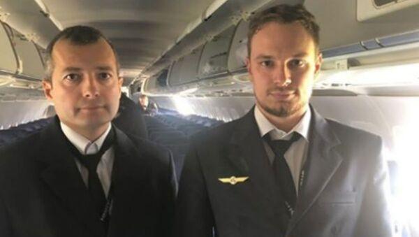 Камандзір экіпажа Airbus 321 Дамір Юсупаў і пілот Георгій Мурзін - Sputnik Беларусь