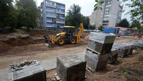 На месте бывшего сквера идет строительство парковки - Sputnik Беларусь