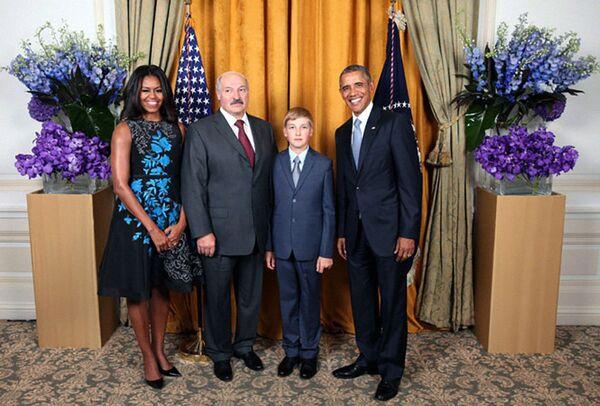 Президент Беларуси Александр Лукашенко с сыном приняли участие в приеме от имени президента США Барака Обамы в честь глав делегаций на 70-й сессии Генеральной ассамблеи ООН, 28 сентября 2015 года. - Sputnik Беларусь
