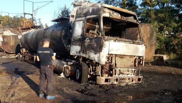 Седельный тягач с цистерной сгорел на предприятии в Слуцке - Sputnik Беларусь