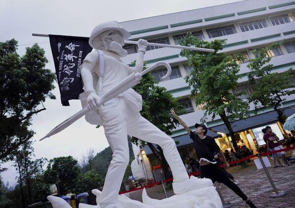 Так выглядит Статуя свободы Гонконга - Sputnik Беларусь