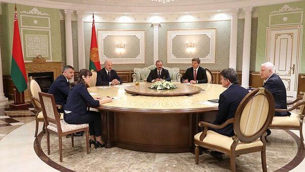 Лукашэнка сустрэўся з арганізатарамі мачта Еўропа - ЗША - Sputnik Беларусь