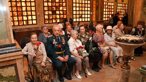Ветеранов-блокадников чествовали во Всехсвятском храме - Sputnik Беларусь