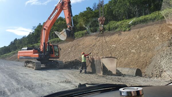 Строительство шоссе между Южно-Курильском и аэропортом Менделеево на Кунашире - Sputnik Беларусь