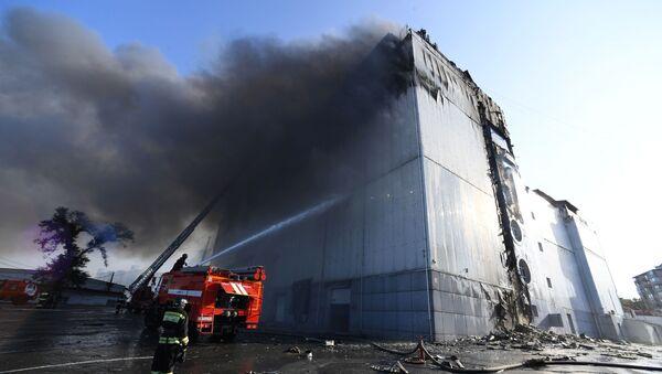 Пожар в ТЦ Максим во Владивостоке - Sputnik Беларусь