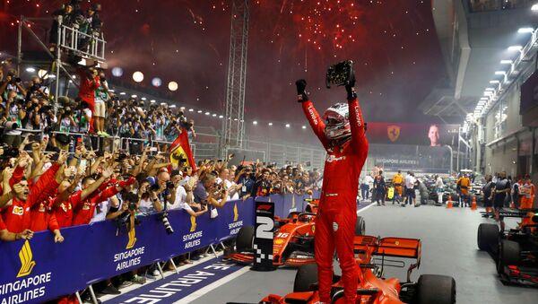 Себастьян Феттель выиграл Гран-при Сингапура - Sputnik Беларусь