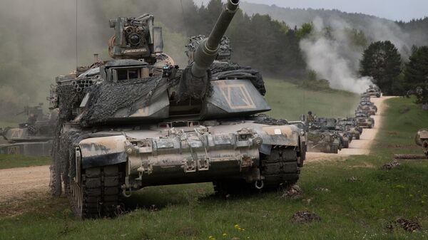 Колонна танков M1 Abrams, архивное фото - Sputnik Беларусь