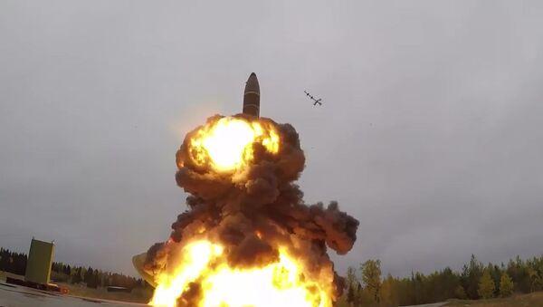 Учебно-боевой пуск баллистической ракеты Тополь-М с космодрома Плесецк - Sputnik Беларусь