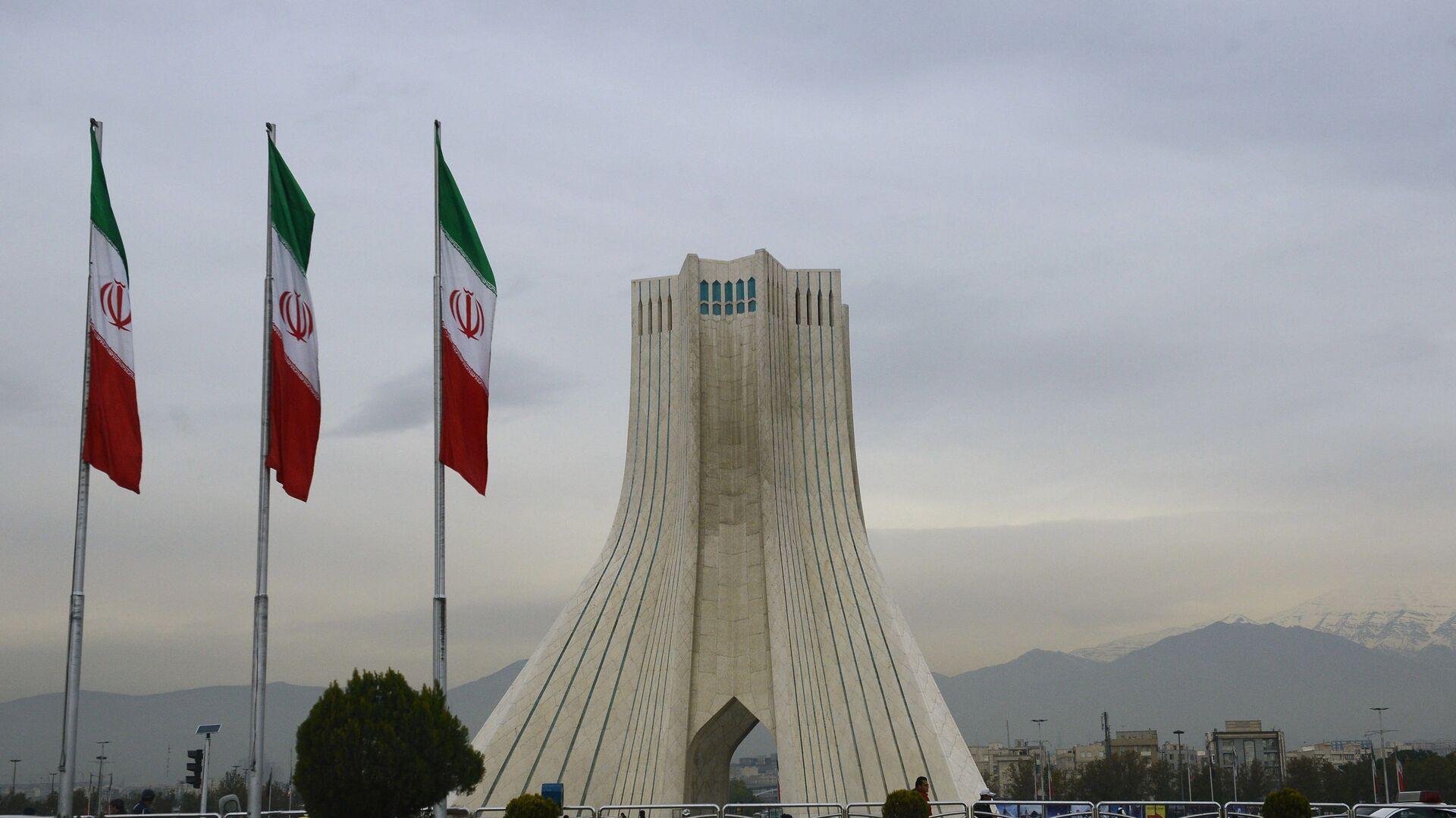 Башня Азади на одноименной площади в Тегеране - Sputnik Беларусь, 1920, 28.02.2021