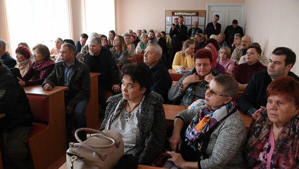 Пациенты встали на защиту уволенного участкового врача - Sputnik Беларусь