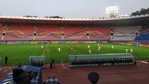 Футбольный матч между сборными КНДР и Южной Кореи - Sputnik Беларусь